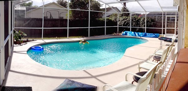 Fully Fenced Private Pool with Hot Tub