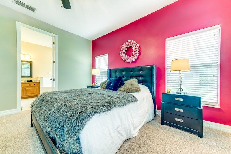 Master Bedroom, en suite