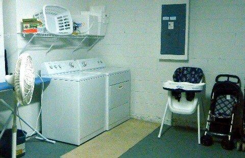 Washer/ Dryer / high chair / stroller