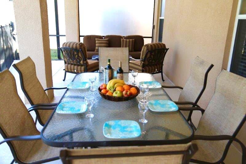 Al Fresco Dining & Seating