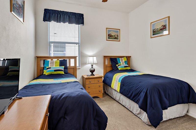 Twin Bedroom x 2