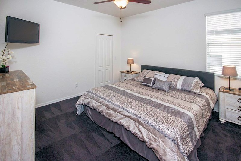 2nd Master bedroom (recently updated)