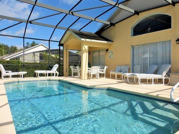 4 Bed Villa sleeps 8. Private Pool. Wi-Fi. Games Room.