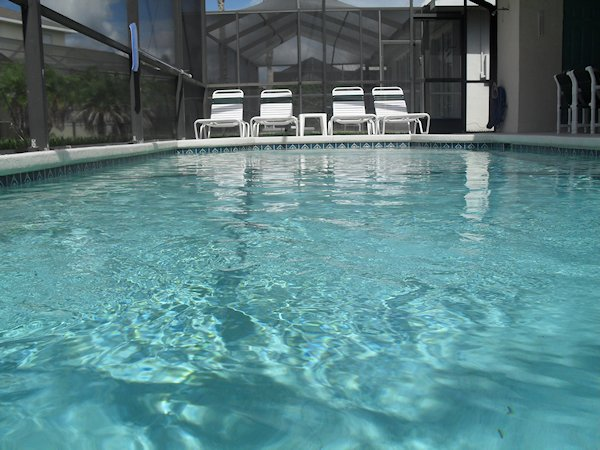 3 Bed Villa sleeps 8. Private Pool. Wi-Fi.