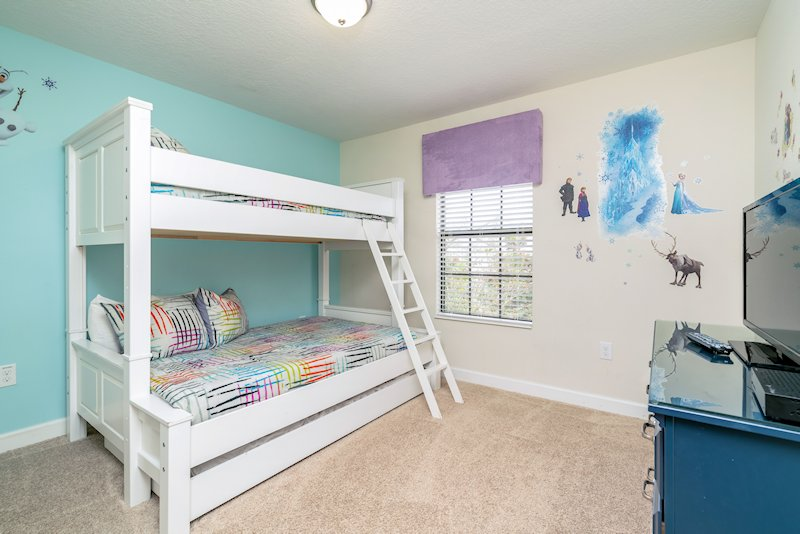 Frozen themed room, with bunk, double bed and trundle