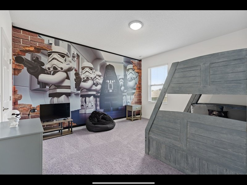 Star Wars Bedroom sleeps up to 4 children